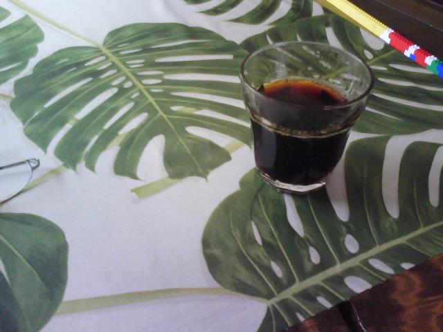 くもりがちな梅雨の走りの休日には熱いコーヒーを