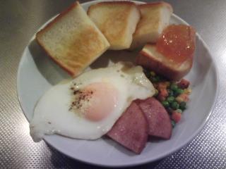 きょうの朝食/ ハムステーキエッグ