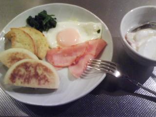 きょうの朝食/ マフィンのソテー