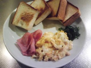 きょうの朝食/ コーンのスクランブルエッグ