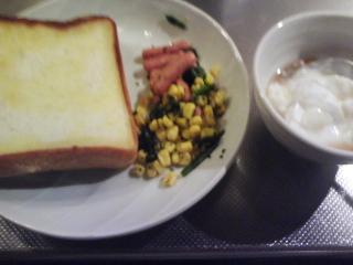 きょうの朝食/ お寝坊さんのコーン&ソーセージ