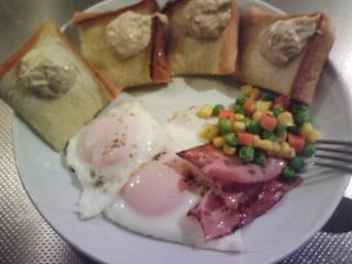 きょうの朝食/ ツナマヨトースト