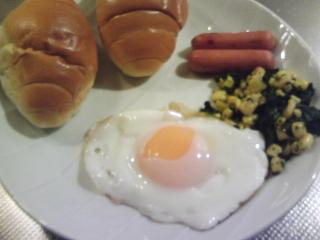 きょうの朝食/ ロールパン